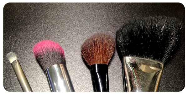 Using Angled Makeup Brushes