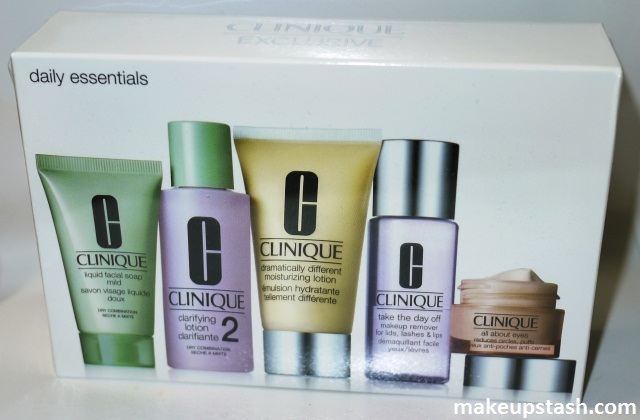 Clinique Daily Essentials Skincare Travel Set