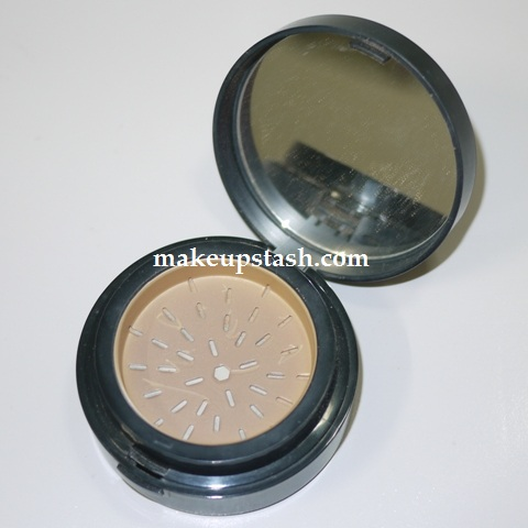 Panned Out | Elizabeth Arden Pure Finish Mineral Powder Foundation SPF 20