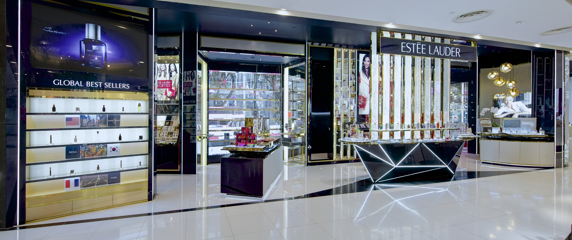 Estée Lauder Flagship Boutique at Tangs Orchard