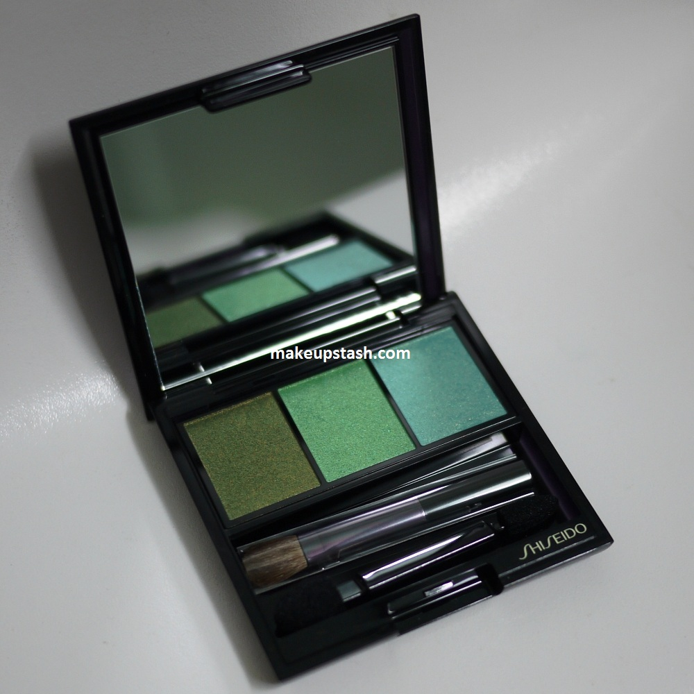 Review | Shiseido Luminizing Satin Eye Color Trio in GR305 Jungle