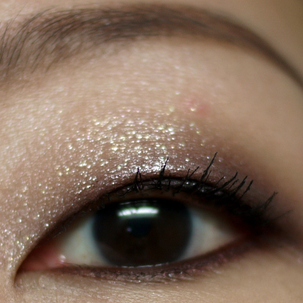 Tom Ford Beauty Eye Color Quad in 12 Seductive Rose Simple EOTD Close Up